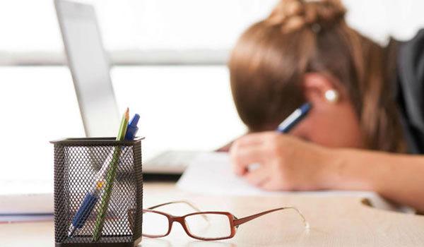 Причины отзыва из отпуска работника: приказ, перерасчет отпускных