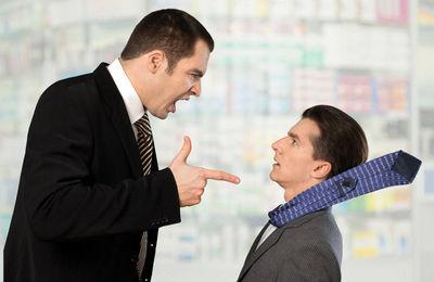 Увольнение работника по жалобе трудового коллектива: как обжаловать, основания увольнения