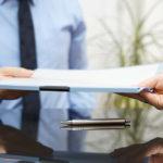 Расторжение срочного трудового договора по инициативе работодателя: выплаты, сроки, ТК РФ