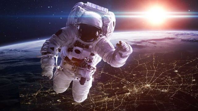 Вы и не представляли, какая зарплата у космонавтов!